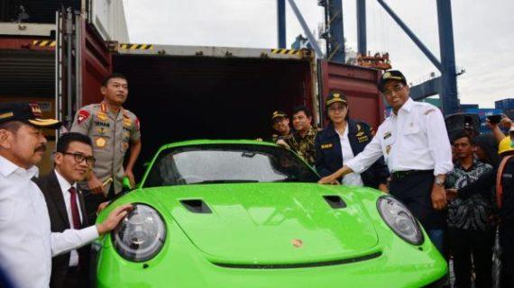 Ini Daftar Mobil Selundupan Milik Orang Kaya Indonesia